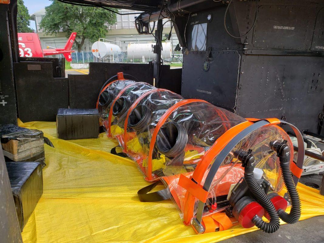 Maca bolha é uma cápsula hermeticamente isolada para evitar riscos de transmissão da Covid-19 entre pacientes e socorristas do Corpo de Bombeiros, no RJ — Foto: Corpo de Bombeiros/Divulgação