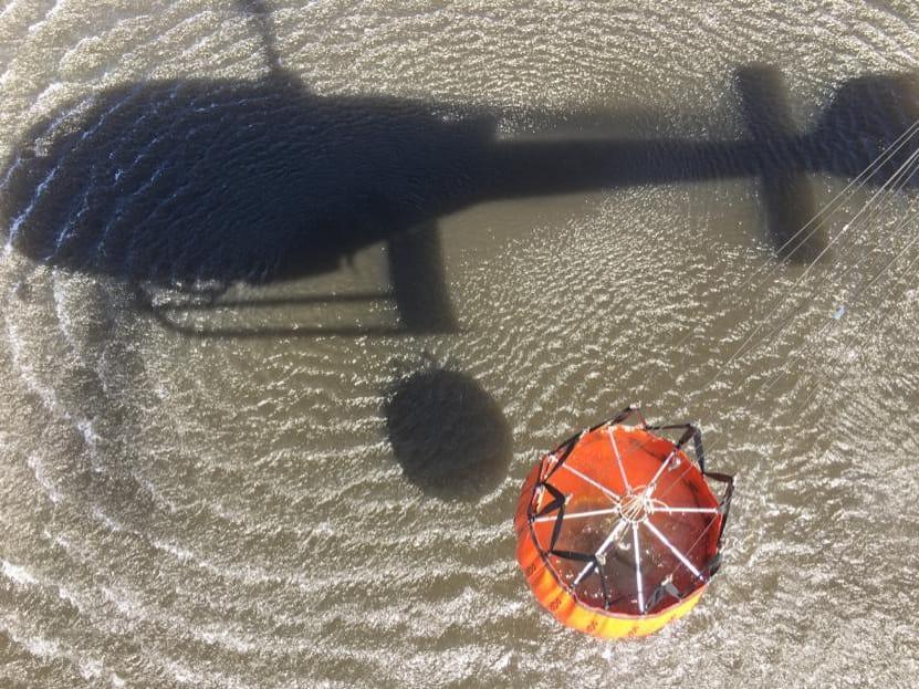 BPMOA/PR e Equipes do Corpo de Bombeiros Combateram Incêndio em Guaratuba foto:BPMOA/PR