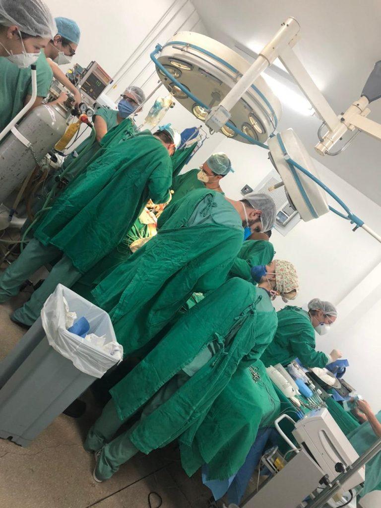 Operação para retirada de múltiplos órgãos reuniu cerca de 20 profissionais no Hospital de Base de Bauru — Foto: Famesp/Divulgação