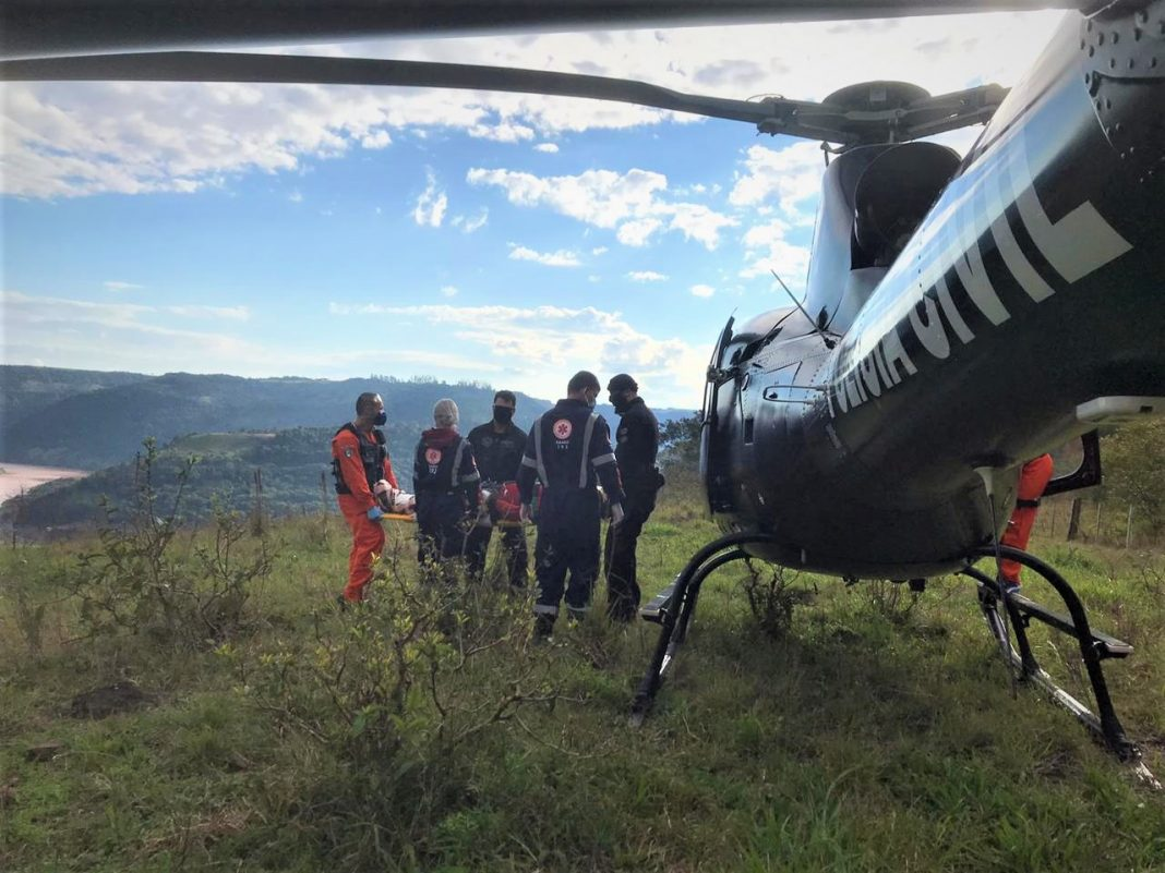 capa-sarasaerfron-resgatam-motociclista-ferido-em-acidente-56447