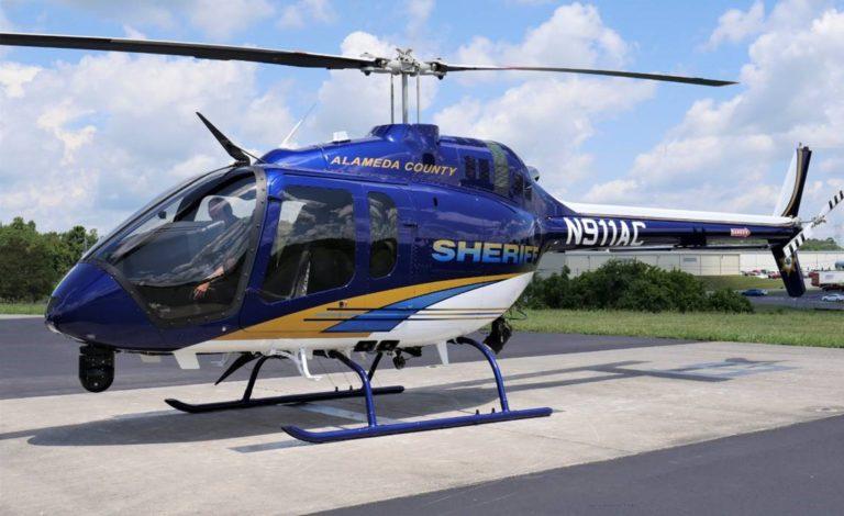O primeiro Bell 505 Jet Ranger X configurado para segurança pública foi entregue à Unidade de Apoio Aéreo do Gabinete do Xerife do Condado de Alameda. Foto de sino