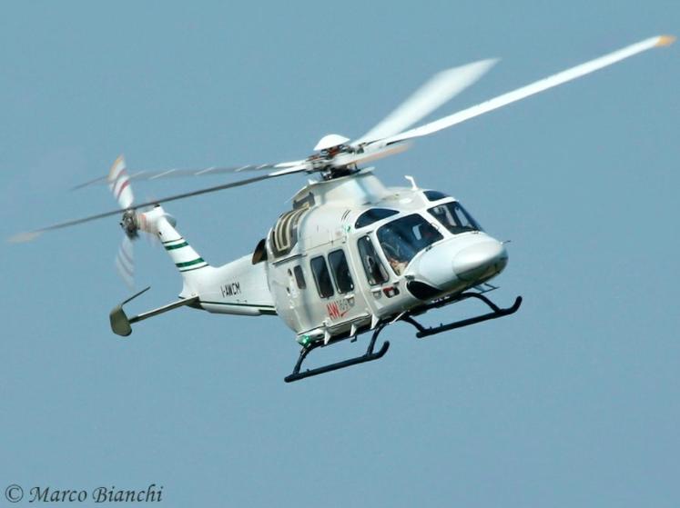 O AW169 deve receber skids como parte de um kit certificado. Foto de Marco Bianchi