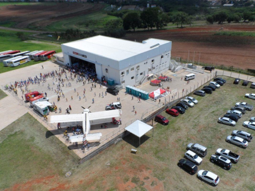 QAP reuniu mil pessoas em 2019. Festa acontece todos os anos no hangar que possui cobertura. (Crédito: Divulgação/Base Aérea Piracicaba)