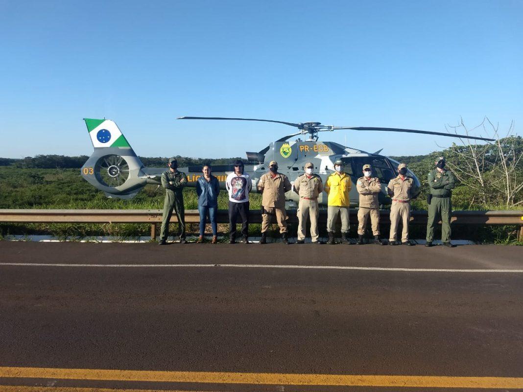 Helicóptero da PM auxilia no combate a incêndio em Ilha Grande - Foto: BPMOA
