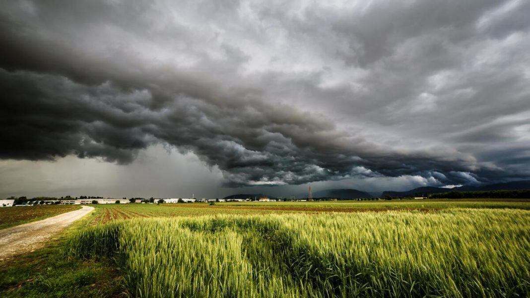 storm-clouds-field