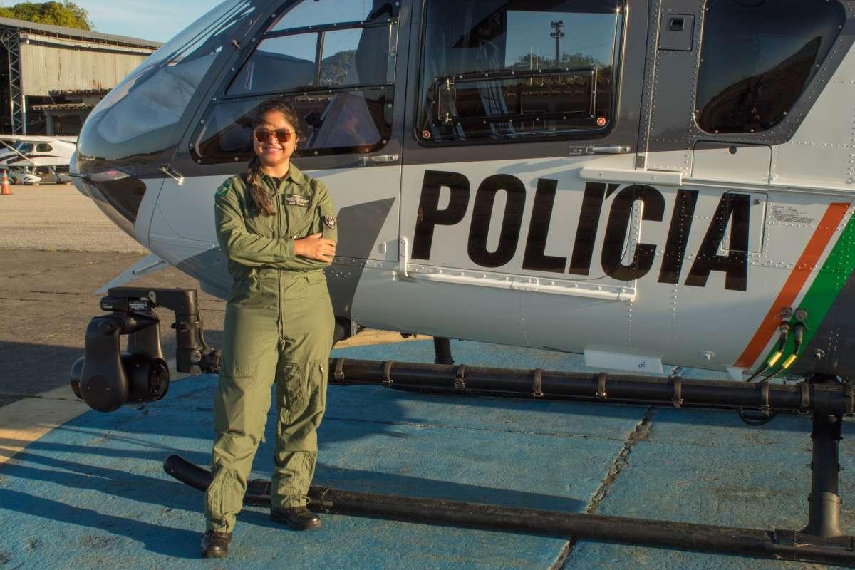 Capita-da-PMCE-se-torna-primeira-mulher-comandante-de-aeronave-da-Ciopaer-da-SSPDS-1200x800