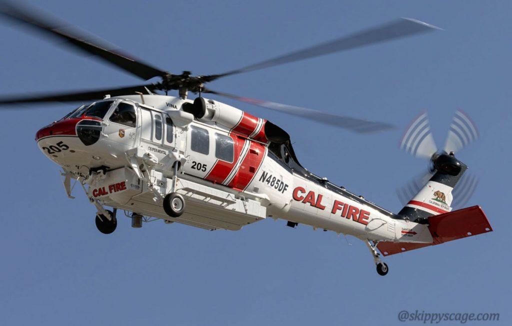 O novo S-70i Firehawk da CAL FIRE, helicóptero 205, sendo testado no Centennial, Colorado em 7 de maio de 2020. Foto por @skippyscage.