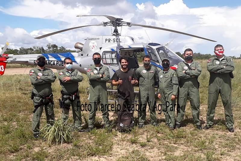"""O piloto paraense Antônio Sena, mais conhecido como """"Toninho Sena"""", e a equipe do Graesp, que o resgatou no sábado (06/03)"""