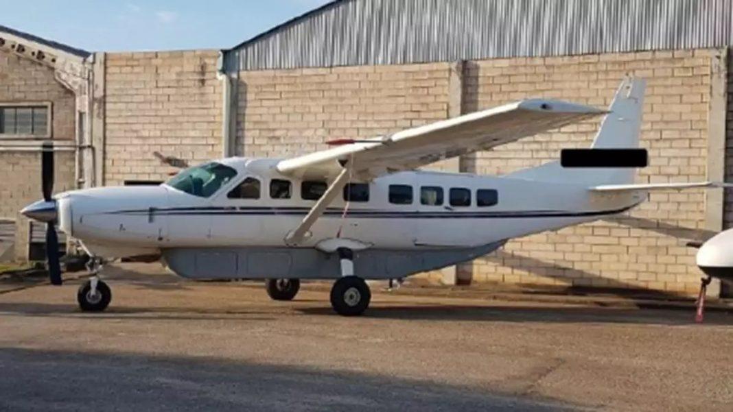 Um dos aviões apreendidos pela Dise – Foto: Polícia Civil / Divulgação