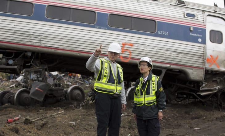 NTSB investigando um acidente ferroviário da Amtrak em 2015 (Foto: Domínio Público/NTSB)