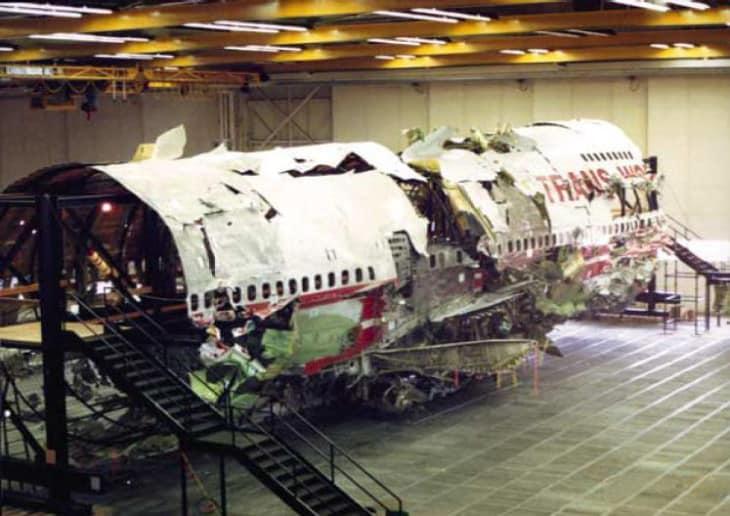 Reconstrução da fuselagem TWA800 (Foto: Domínio Público/NTSB)