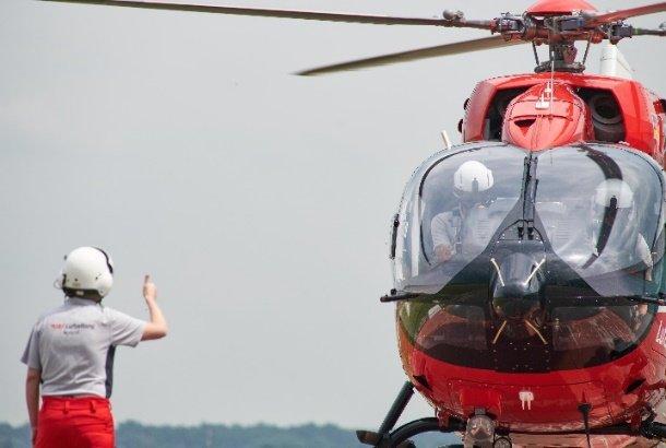 As equipes de resgate DRF Luftrettung iniciaram 18.356 chamadas em todo o país no primeiro semestre de 2021. DRF Luftrettung Photo