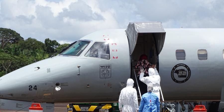 Avião da Força Aérea Brasileira (FAB) é usado para remoção de pacientes em estado grave