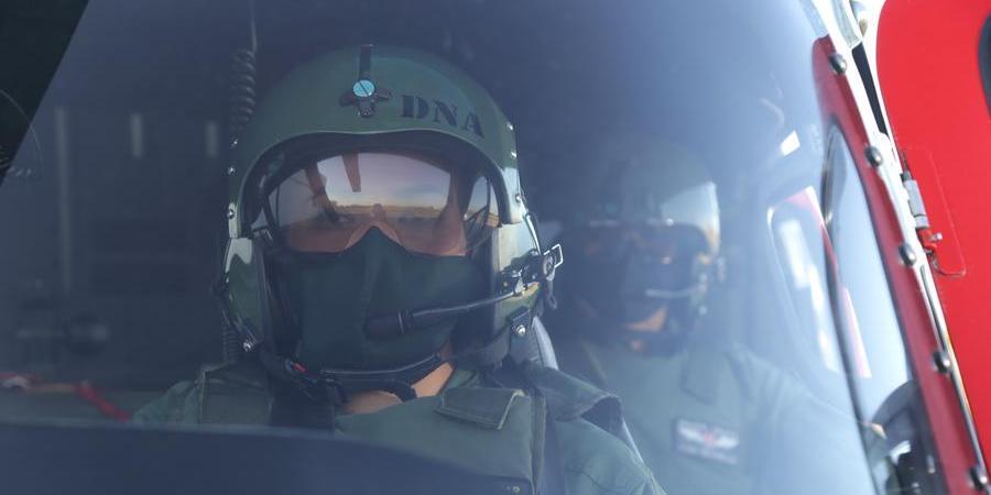 Piloto Daniela Pereira Ramos e tripulante de bordo Ednelson dos Santos da Base Aérea da PM de Rio Preto